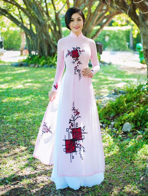 Áo dài tôn đường cong mỹ miều cho thiếu nữ mùa xuân - 5