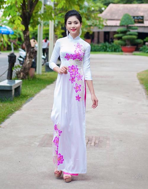 Áo dài tôn đường cong mỹ miều cho thiếu nữ mùa xuân - 7