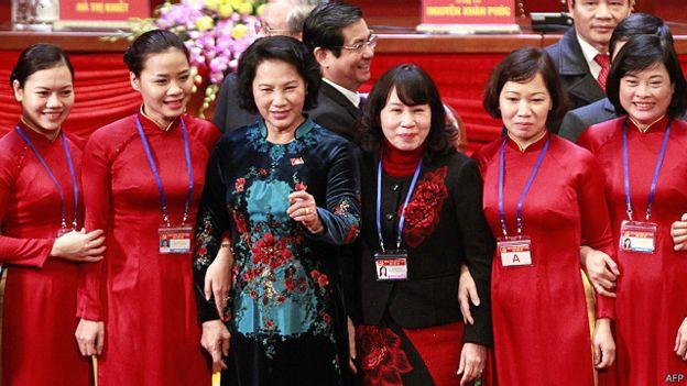 Bí mật sau tà áo dài của chủ tịch qh nguyễn thị kim ngân - 5
