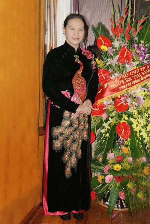 Bí mật sau tà áo dài của chủ tịch qh nguyễn thị kim ngân - 8