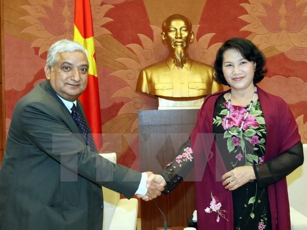 Bst áo dài đẹp mắt của chủ tịch qh nguyễn thị kim ngân - 6