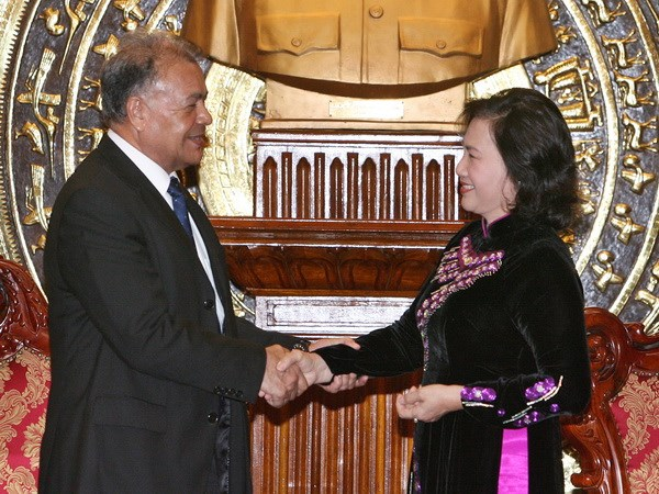 Bst áo dài đẹp mắt của chủ tịch qh nguyễn thị kim ngân - 19
