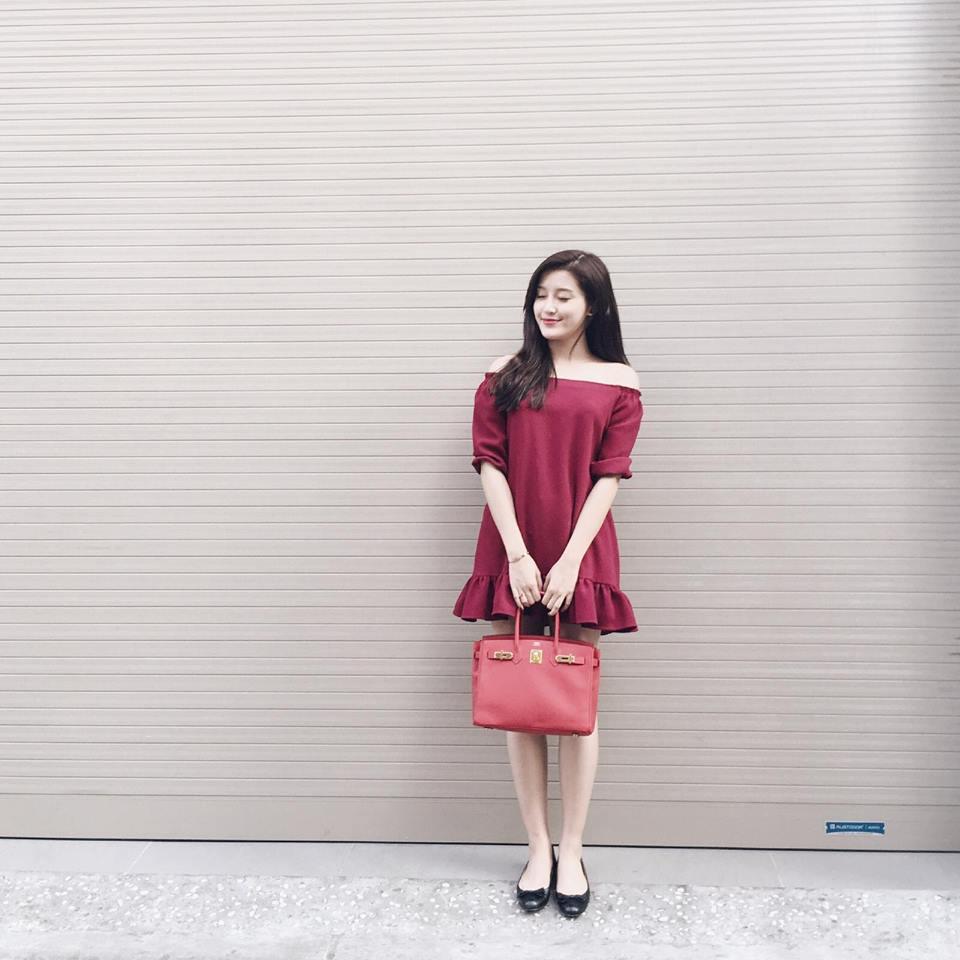 Chấm điểm váy áo của 2 á hậu hot nhất vbiz - 8