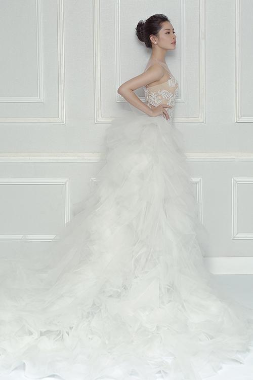Chi pu làm cô dâu thiên thần với váy cưới ren trắng - 4