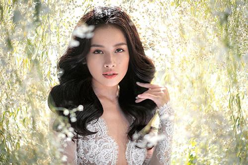 Chi pu làm cô dâu thiên thần với váy cưới ren trắng - 9