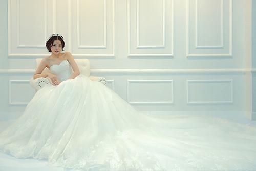 Chi pu làm cô dâu thiên thần với váy cưới ren trắng - 13