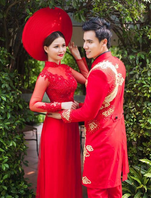 Cô dâu mùa hè tuyệt xinh với áo dài cưới màu đỏ - 12
