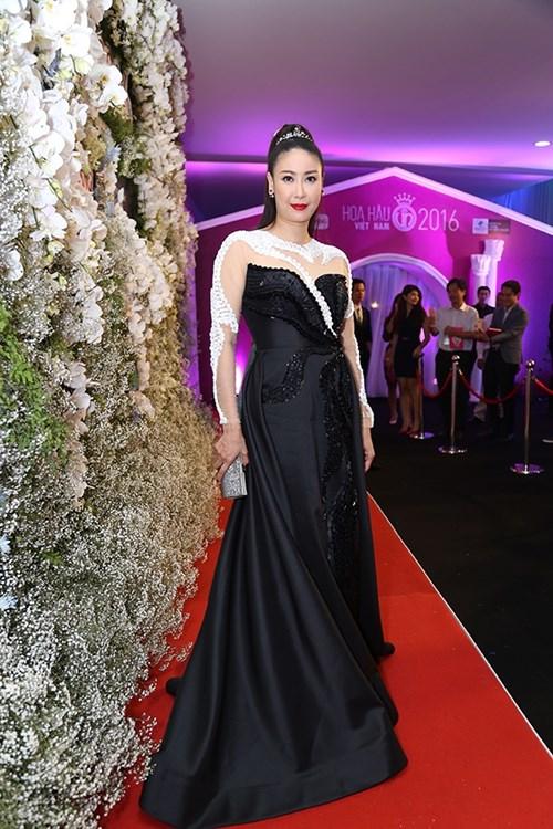 Dàn hoa hậu á hậu việt nam toả sắc trên thảm đỏ hhvn 2016 - 1