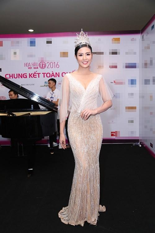 Dàn hoa hậu á hậu việt nam toả sắc trên thảm đỏ hhvn 2016 - 3