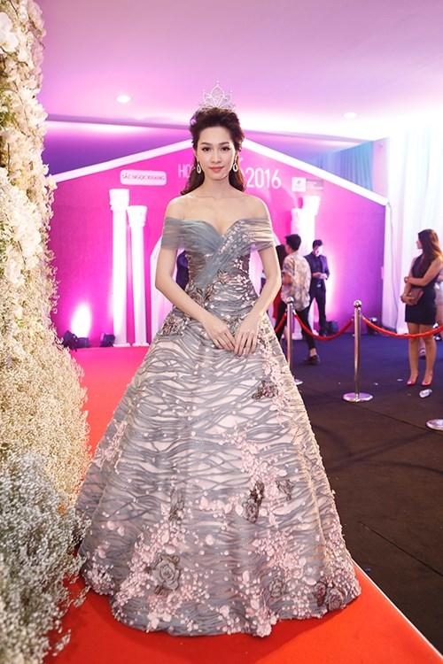 Dàn hoa hậu á hậu việt nam toả sắc trên thảm đỏ hhvn 2016 - 4