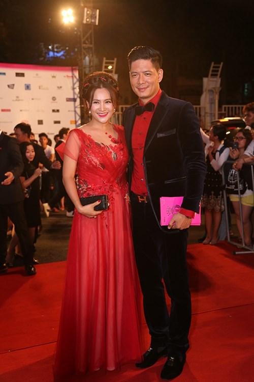 Dàn hoa hậu á hậu việt nam toả sắc trên thảm đỏ hhvn 2016 - 13