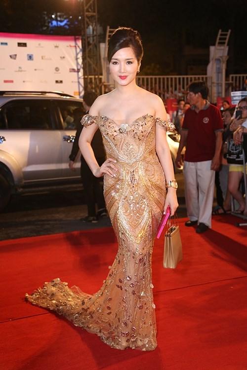 Dàn hoa hậu á hậu việt nam toả sắc trên thảm đỏ hhvn 2016 - 18