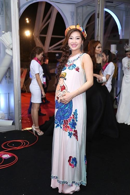 Dàn hoa hậu á hậu việt nam toả sắc trên thảm đỏ hhvn 2016 - 20