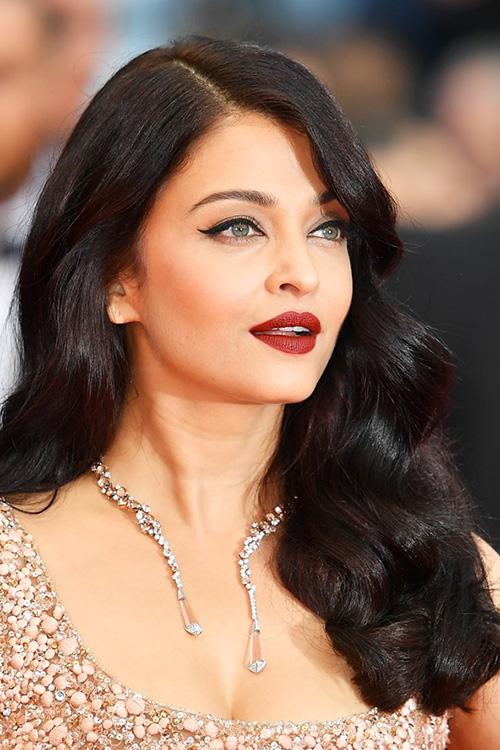 Đi tìm mỹ nhân makeup và làm tóc đẹp nhất cannes 2016 - 1