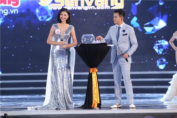 Đỗ mỹ linh đăng quang hoa hậu việt nam 2016 - 11