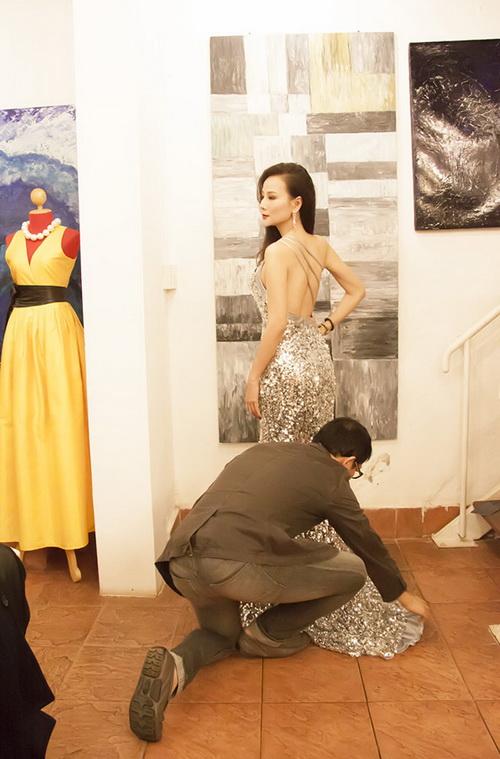 Dương yến ngọc làm vedette tại tuần lễ thời trang lào - 5