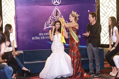 Lan khuê được chủ tịch miss grand international mời thi hoa hậu - 7