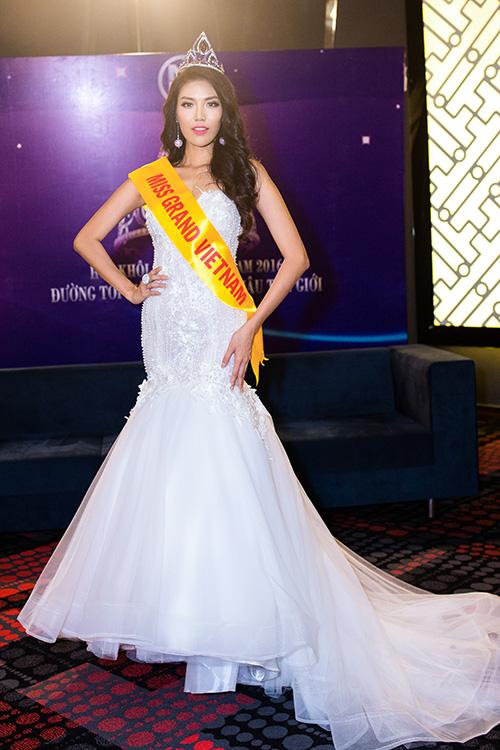 Lan khuê được chủ tịch miss grand international mời thi hoa hậu - 10