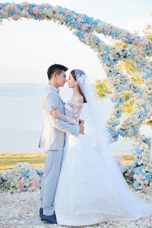 Lưu thi thi mặc váy cưới 11 tỷ đồng gây choáng váng - 2