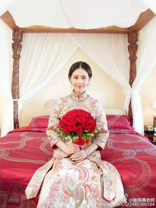 Lưu thi thi mặc váy cưới 11 tỷ đồng gây choáng váng - 7