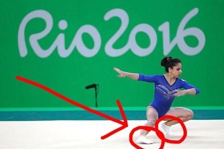 Lý do vận động viên thể dục dụng cụ mang tất khi tham gia olympic - 5