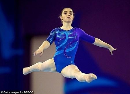 Lý do vận động viên thể dục dụng cụ mang tất khi tham gia olympic - 6