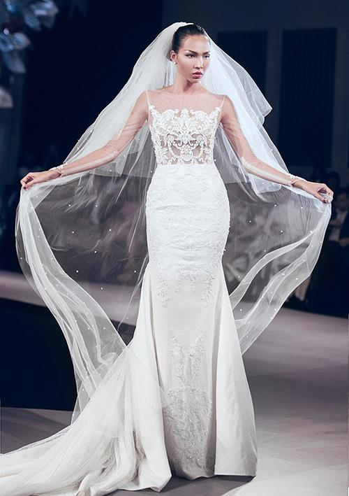 Minh tú lộng lẫy với váy cưới đính 10 ngàn viên đá swarosky - 6