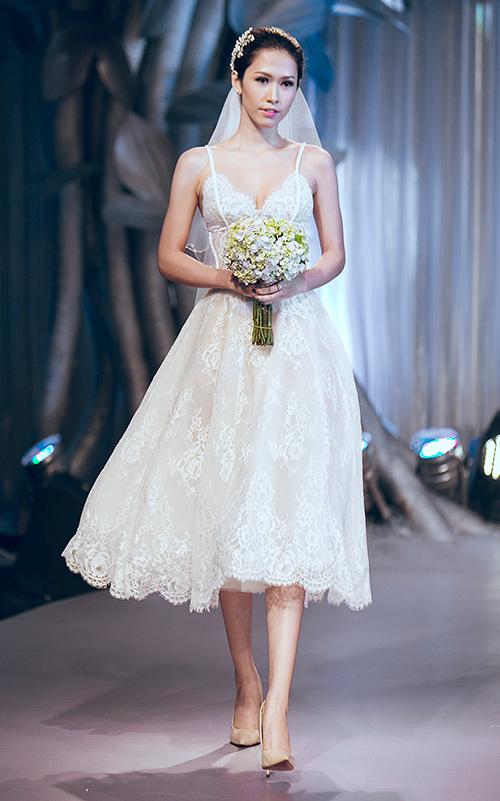 Minh tú lộng lẫy với váy cưới đính 10 ngàn viên đá swarosky - 13