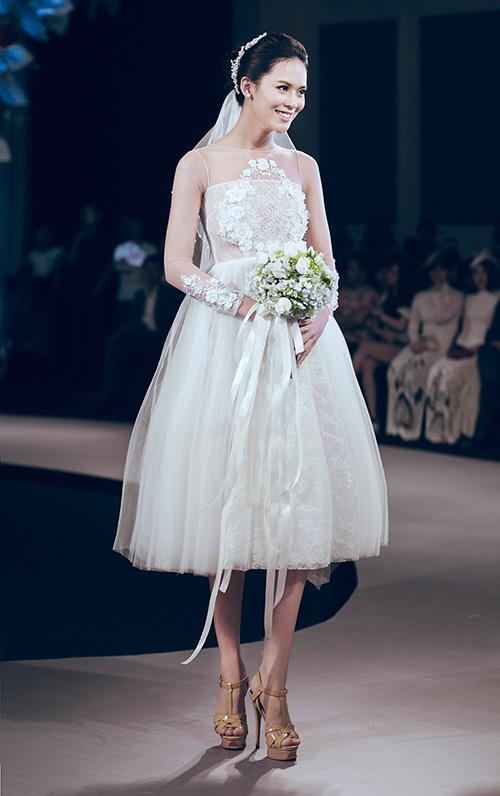 Minh tú lộng lẫy với váy cưới đính 10 ngàn viên đá swarosky - 14