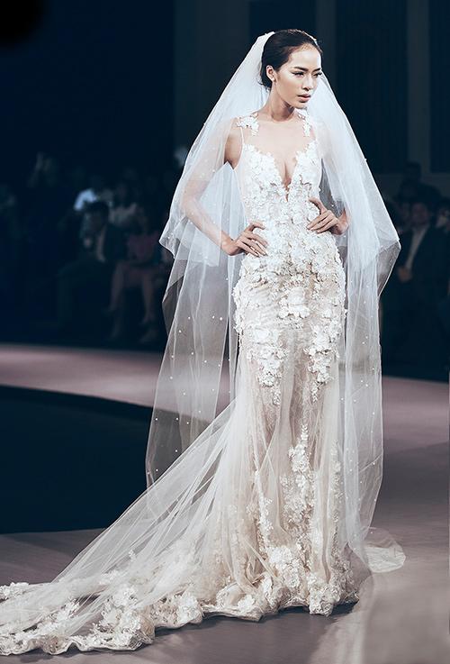 Minh tú lộng lẫy với váy cưới đính 10 ngàn viên đá swarosky - 15