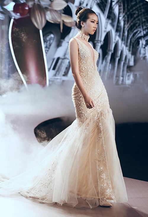 Minh tú lộng lẫy với váy cưới đính 10 ngàn viên đá swarosky - 18