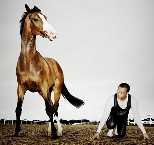 Nếu người thi chạy đua với ngựa thì bên nào sẽ thắng - 1