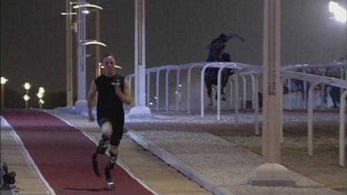 Nếu người thi chạy đua với ngựa thì bên nào sẽ thắng - 4