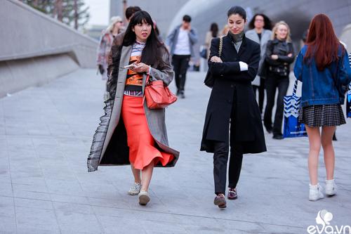 Ngắm street style của những thiên thần nhỏ tại seoul fw - 3
