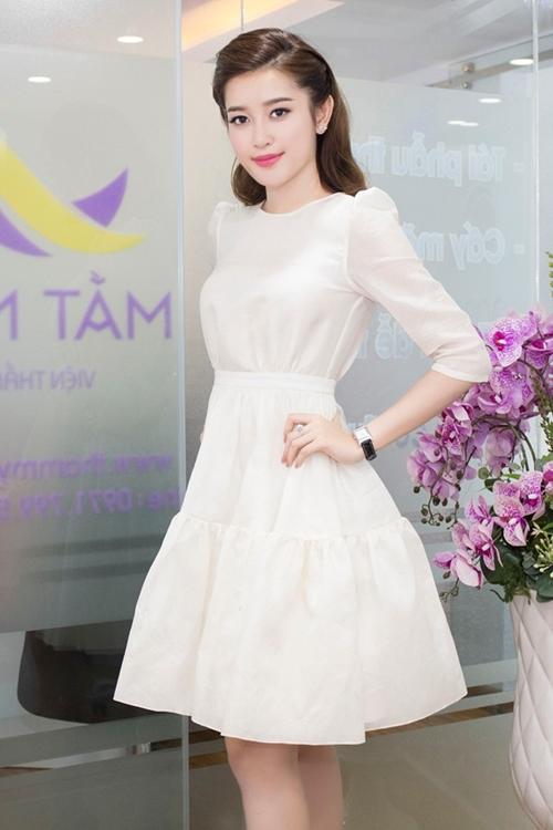 Những chiếc váy trắng làm say đắm lòng người của huyền my - 2