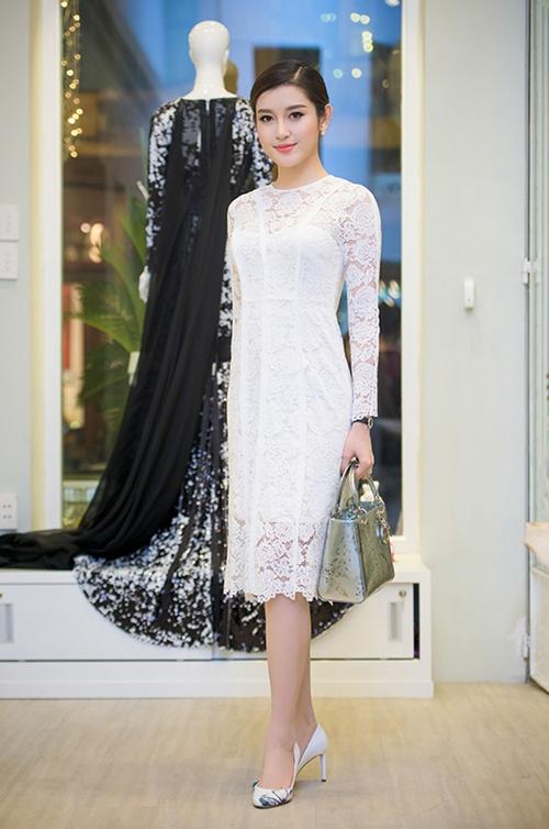 Những chiếc váy trắng làm say đắm lòng người của huyền my - 5
