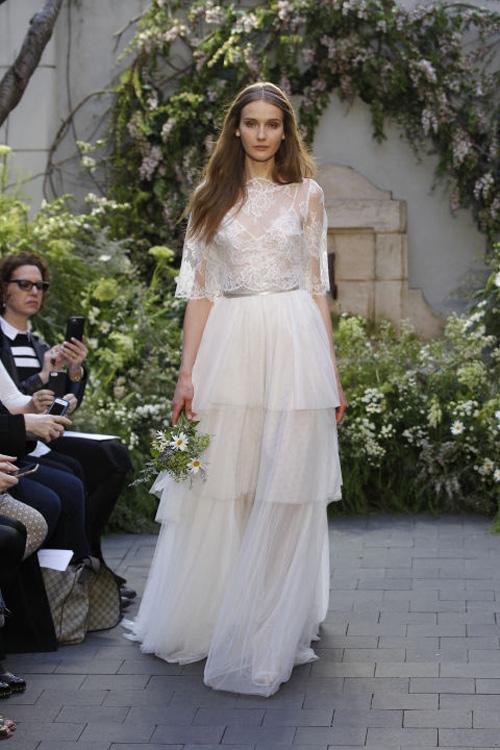 Những mẫu váy cưới đẹp nhất mùa xuân 2017 - 6