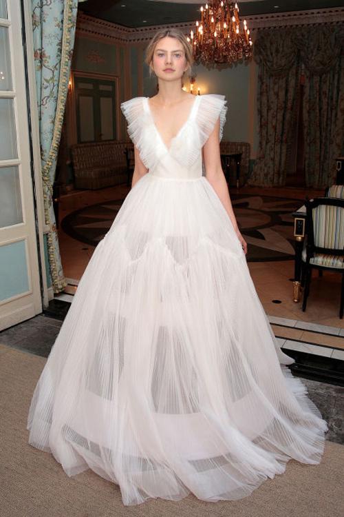 Những mẫu váy cưới đẹp nhất mùa xuân 2017 - 7