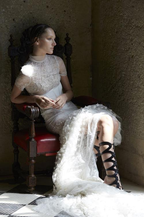 Những mẫu váy cưới đẹp nhất mùa xuân 2017 - 2