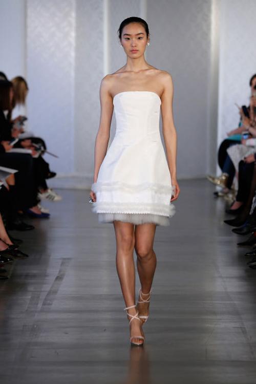 Những mẫu váy cưới đẹp nhất mùa xuân 2017 - 14