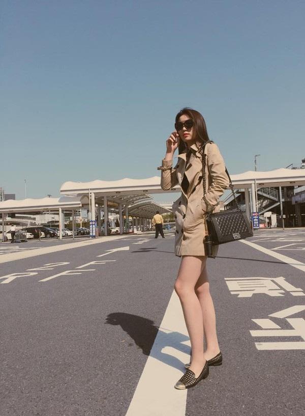 Thời trang sân bay điệu đà của hoa hậu á hậu việt - 3