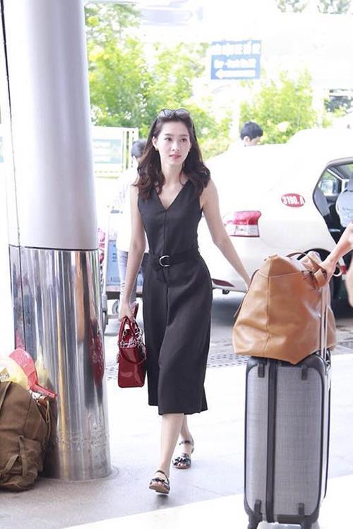 Thời trang sân bay điệu đà của hoa hậu á hậu việt - 6