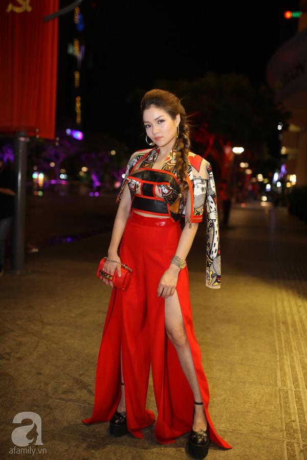 Tuần qua ngọc trinh thuỷ tiên gây tranh cãi vì váy hở bạo - 11