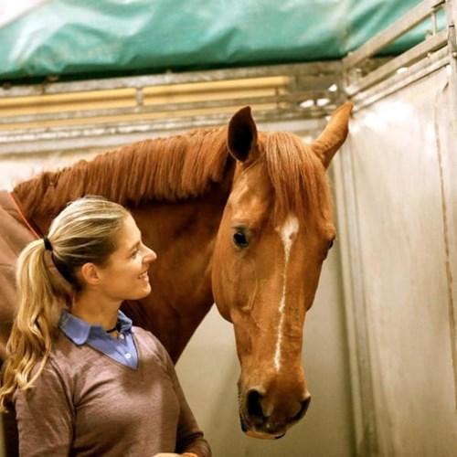 Vận động viên đoạt huy chương vàng đã rút khỏi olympic để cứu chú ngựa - 6