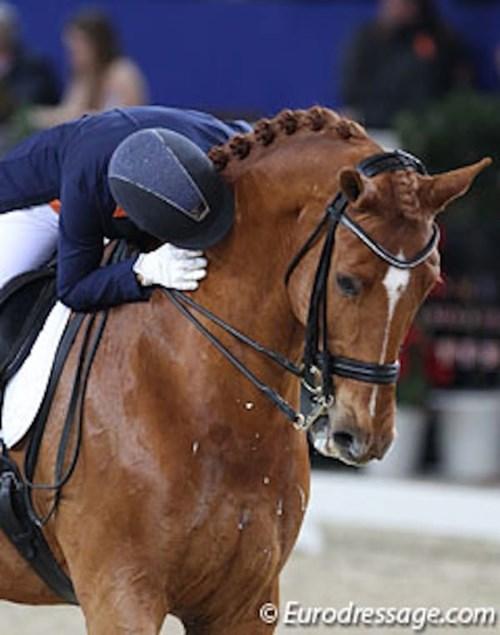 Vận động viên đoạt huy chương vàng đã rút khỏi olympic để cứu chú ngựa - 7