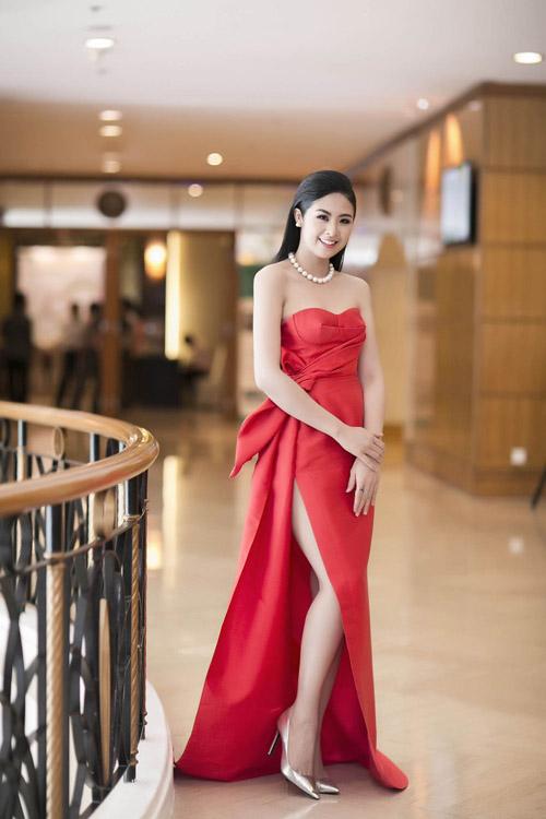 Váy tự thiết kế của ngọc hân bị nhận xét kém tinh tế - 1