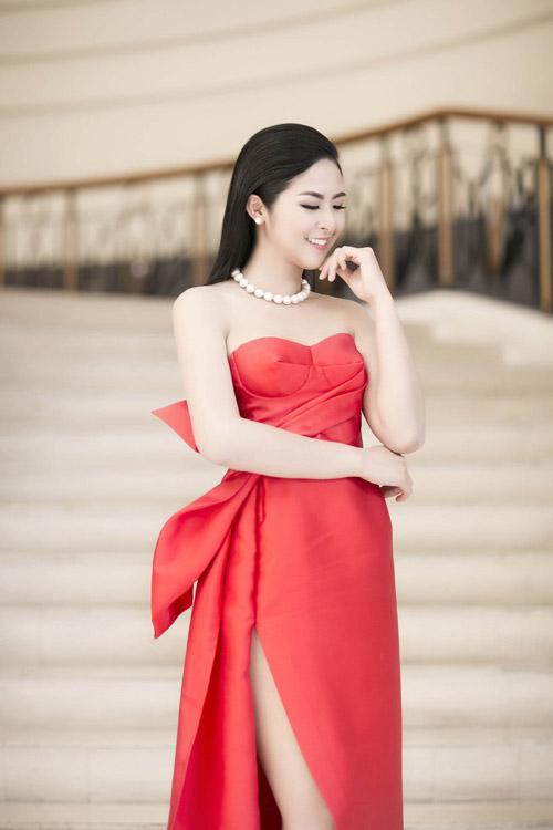 Váy tự thiết kế của ngọc hân bị nhận xét kém tinh tế - 2