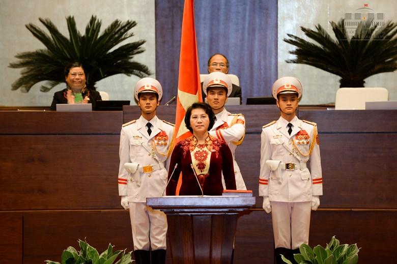Bst áo dài đẹp mắt của chủ tịch qh nguyễn thị kim ngân - 1