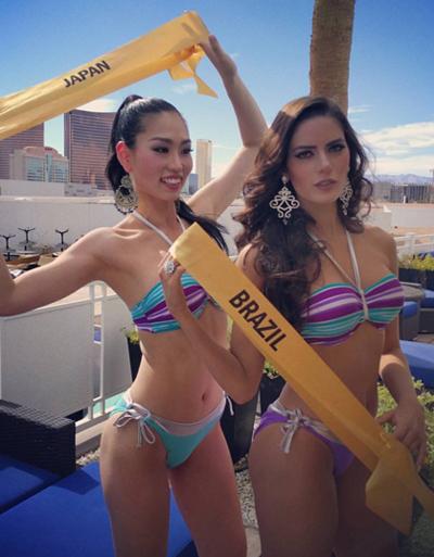 nguyễn thị loan trình diễn bikini bên dàn người đẹp quốc tế - 6