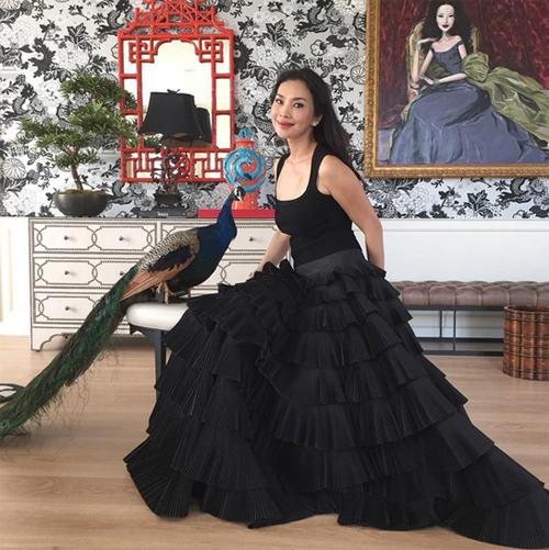 Thời trang xa xỉ của nữ tỷ phú 52 tuổi hot nhất thái lan - 2